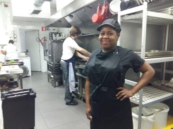 Maria, pràctiques d'ajudant de cuina al Restaurant Bitxarracu